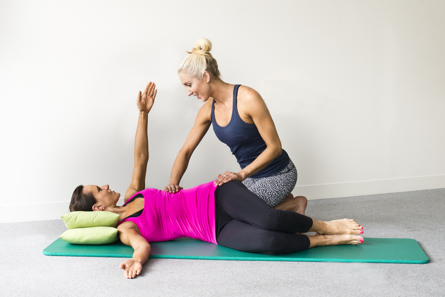 APPI Pilates Hip twist level 2 with a modification